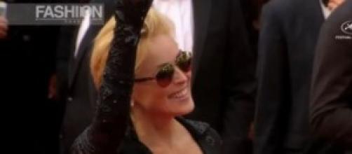 Sharon Stone scandalo: senza reggiseno e mutandine