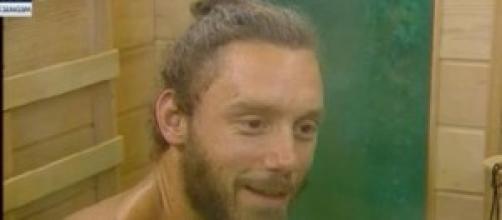 Fabio in sauna a Giovanni: Chicca sembra un'escort