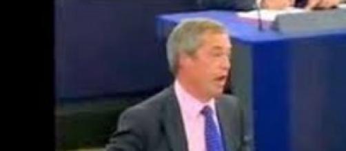 Elezioni europee: Farage sfida gli euroburocrati