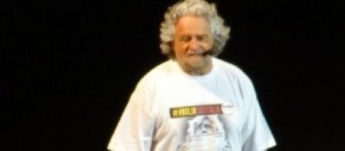 Le date del tour di Beppe Grillo per le europee.