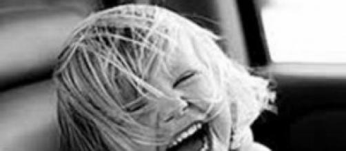 Bambina che ride presa dal web