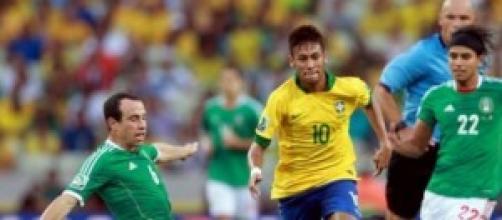 La stella del Brasile, Neymar in azione.