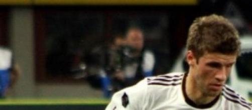 Muller ne fa 3 e porta a casa il pallone firmato