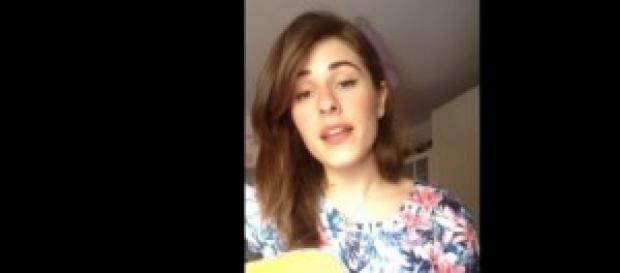"""Diana Del Buono canta """"La foresta""""."""