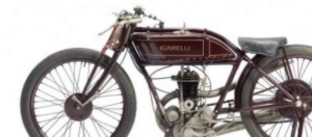Motocicleta antiga Garelli muito rara.
