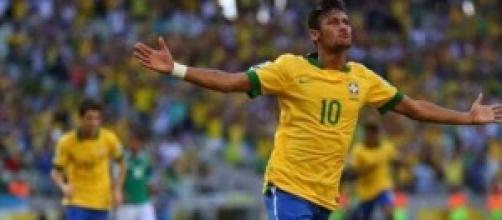 Neymar esultante dopo una rete