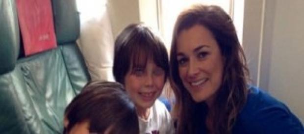 Alena Seredova vola in Brasile con i suoi figli