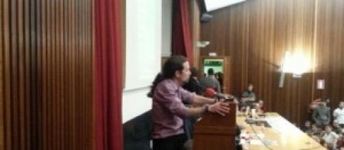 Pablo Iglesias hablando a los ciudadanos