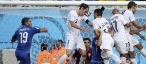 Godín marca el gol de la victoria. Foto: As