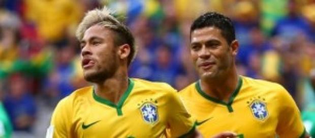 Neymar y Hulk en el partido de ayer