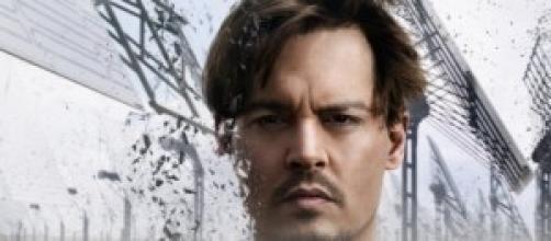 "Capa do filme ""Transcendence - The revolution"""