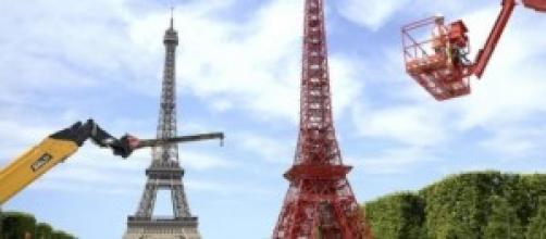 Une seconde Tour Eiffel sur le Champ de Mars ?