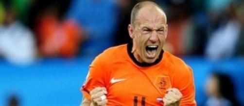 Robben carica i suoi compagni di squadra