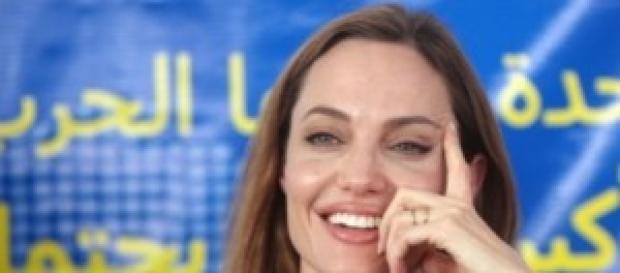 Angelina Jolie annuncia ritiro dalle scene