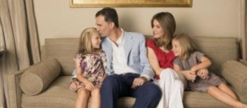 Il futuro re con la moglie e le figlie
