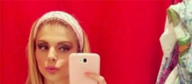 Francesca Cipriani, lato B, fuori di seno, Twitter