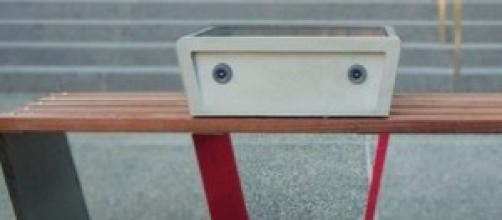 foto panchina fotovoltaica Soofa