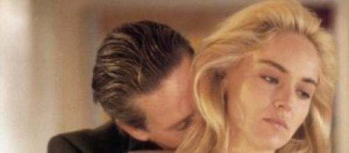 Sharon Stone con Michael Douglas in Basic Instinct