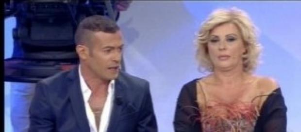Lite social tra Gianni Sperti e Tina Cipollari.