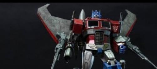 Dalla Hot Toys arriva un nuovo Optimus Prime