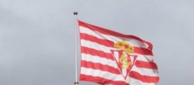 Bandera del Real Sporting de Gijón.
