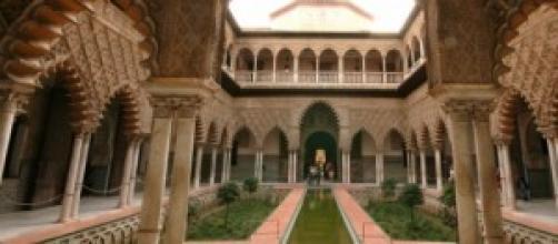 El Patio de las Doncellas del Alcázar sevillano.