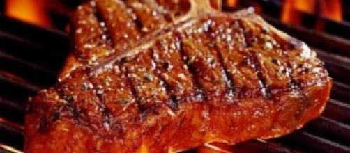 Carne alla griglia: saporita, ma pericolosa