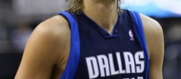 Nowitzki seguirá siendo el 41 de Dallas