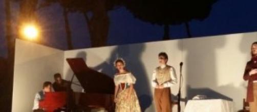 Un momento dello spettacolo a Villa Appia Eventi.