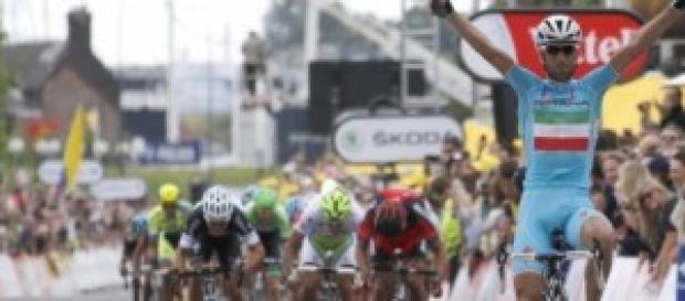 Nibali se coloca líder del Tour