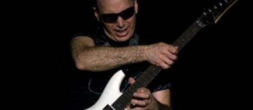 Joe Satriani, guitarrista (foto: Rijnhal Arnhem)