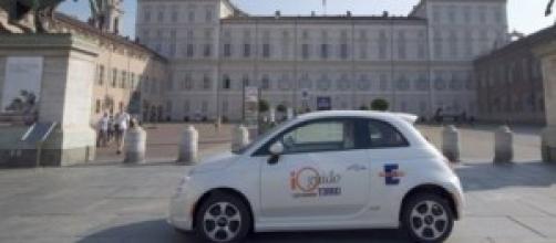 La Fiat 500 elettrica del car sharing di Torino