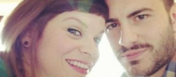 Alessandra Amoroso protegge il suo ex Luca.
