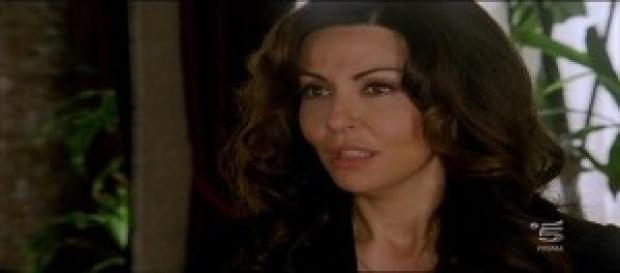Sabrina Ferilli in Baciamo le mani