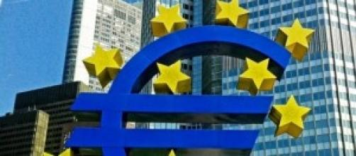 Renzi: in Italia decido io, non la Troika o la BCE