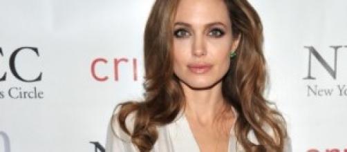 Angelina Jolie excesivamente delgada.