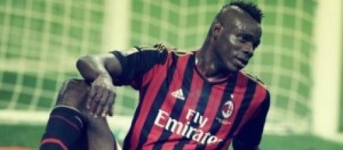 Balotelli guiderà l'attacco del Milan a Valencia.