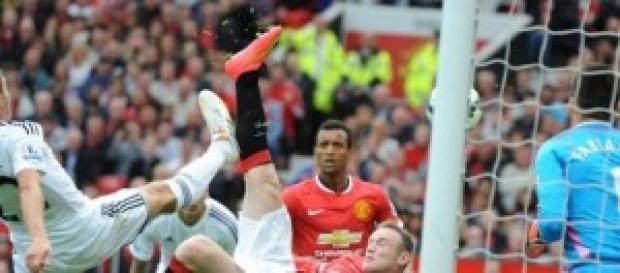 Rooney en el único gol de su equipo