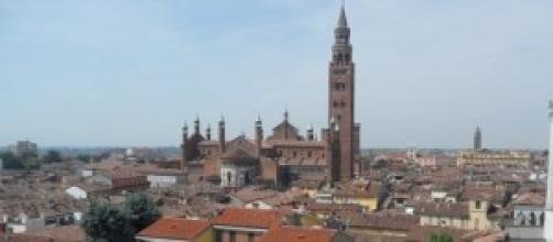 Cremona, il Torrazzo e il minareto