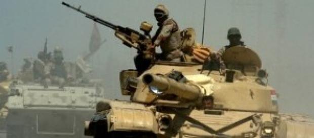 il sì del parlamento all'invio di armi ai curdi