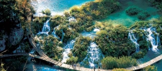 I meravigliosi laghi di Plitvice.