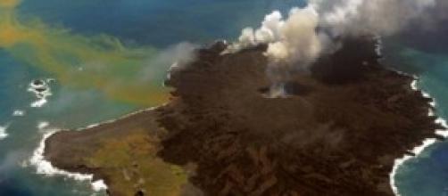 Isola vulcanica in formazione