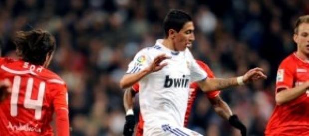 Di Maria en una jugada frente al Sevilla.