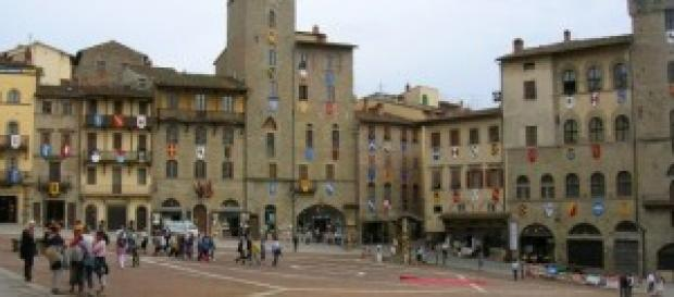 Piazza Grande, resa famosa da 'La vita è bella'
