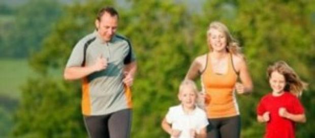 familia practicando deporte