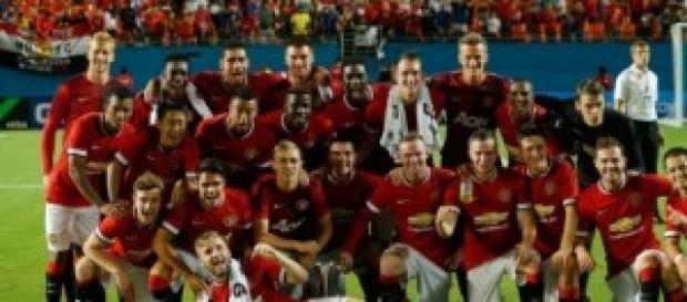 Manchester United celebrando el triunfo