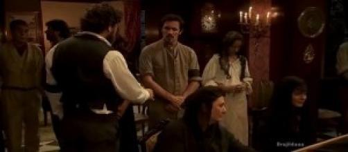 Alfonso non stringe la mano a Mauricio