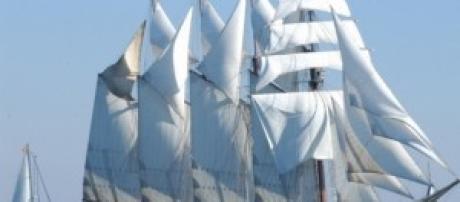 """Imagen del buque """"El Cano"""" de la Armada Española"""