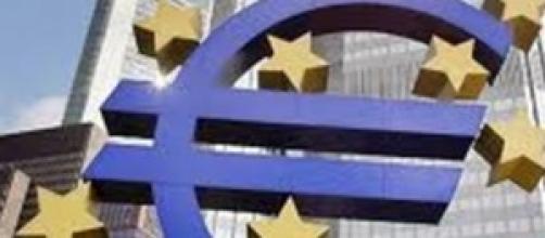 Bce: rallenta la crescita.