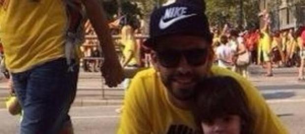 Piqué en la Diada con su hijo Milan